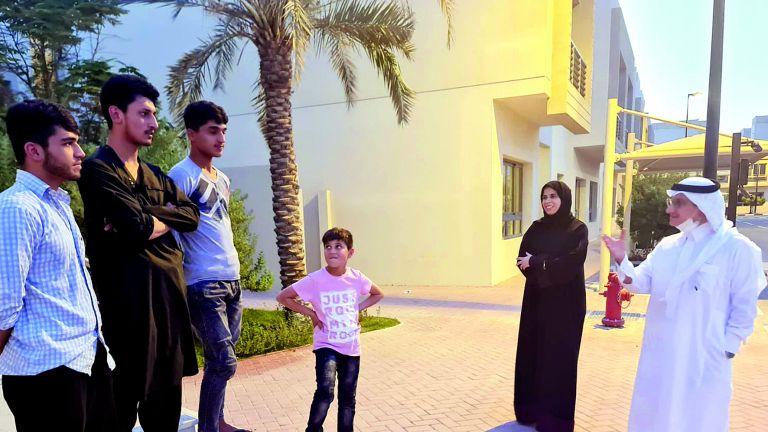 Photo of لولوة الخاطر والسفير السعودي يتفقدان المساكن المؤقتة للأشقاء الأفغان