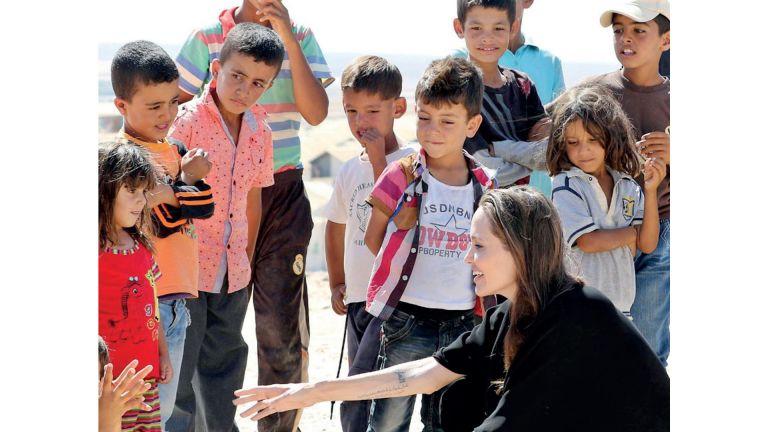 Photo of أنجلينا جولي تصدر كتابًا عن حقوق الأطفال