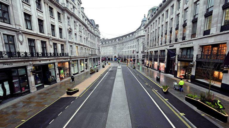 Photo of إغلاق 50 متجرًا في بريطانيا يوميًا