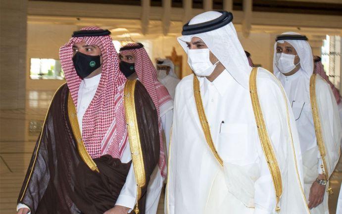 Photo of رئيس مجلس الوزراء ووزير الداخلية يبحث مع وزير الداخلية السعودي العلاقات والمجالات الأمنية ومكافحة الإرهاب