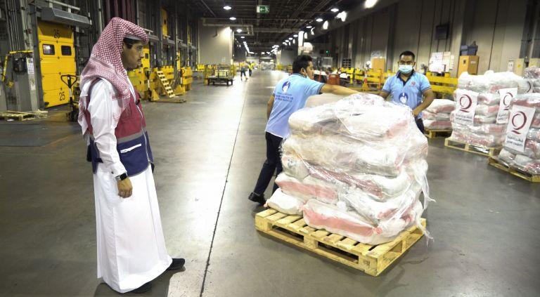 Photo of قطر الخيرية تقدم  15 طنًا من المواد الغذائية الضرورية للشعب الأفغاني