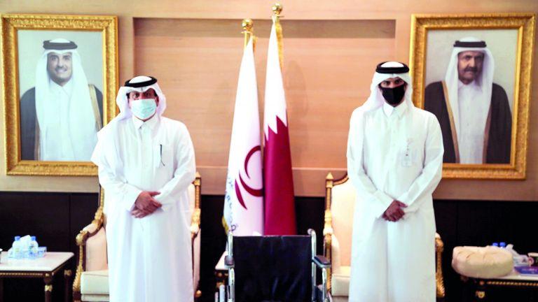 Photo of 50 كرسيًا متحركًا من قطر الخيرية لـ«حمد الطبية»