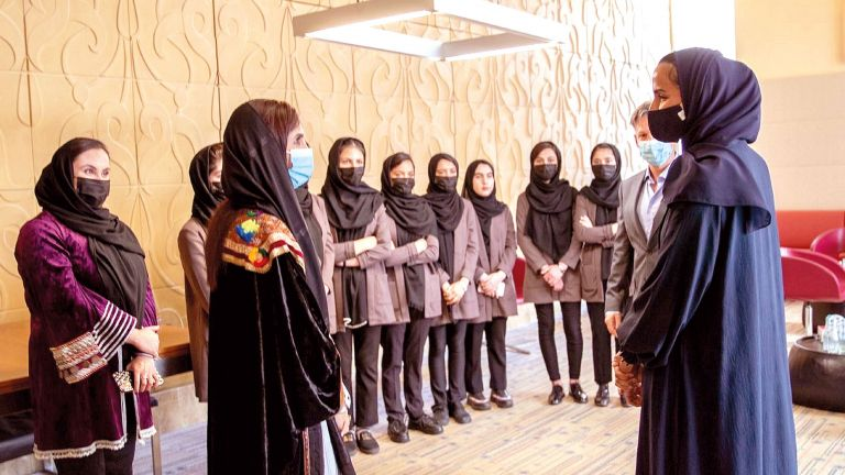 Photo of مؤسسة قطر تمنح فريق «الأفغانيات للروبوتات» فرصة دراسية