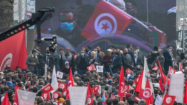 Photo of تونس: النهضة ترفض تعليق الدستور