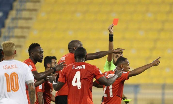 Photo of الريان بعشرة لاعبين ينتزع التعادل أمام أم صلال (2 / 2)