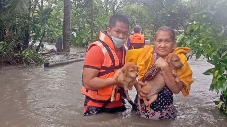 Photo of الإعصار شانتو يضرب الفلبين