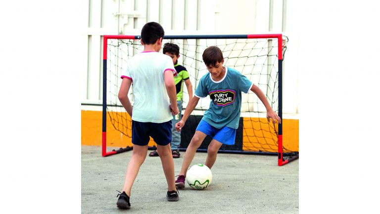 Photo of متطوعو مؤسّسة قطر يدعمون اللاجئين الأفغان