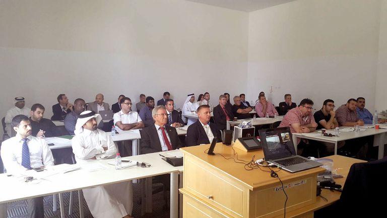 Photo of دورة لمناقشة السلامة المرورية للمشاريع الإنشائية
