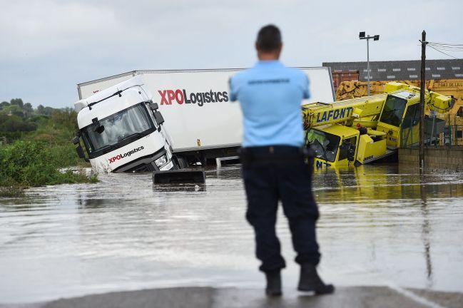 Photo of فقدان شخصين جراء عاصفة شديدة جنوبي فرنسا