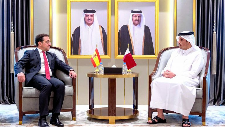 Photo of قطر وإسبانيا تبحثان تطورات الأوضاع بأفغانستان