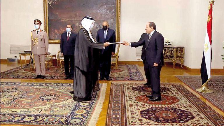 Photo of الرئيس المصري يتسلم أوراق اعتماد سفيرنا