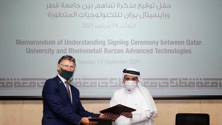 """Photo of مذكرة تفاهم بين جامعة قطر و """"راينميتال برزان"""" لتعزيز التعاون الأكاديمي والبحثي والمهني"""