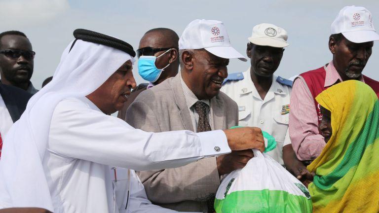 Photo of قطر الخيرية تقدم إغاثة عاجلة لمتضرري السيول والأمطار بالسودان