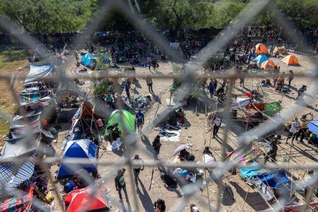 Photo of مئات المهاجرين يتجمعون في جنوب المكسيك أملا في الوصول إلى الولايات المتحدة