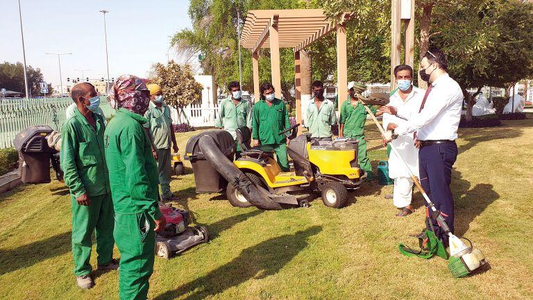 Photo of تطوير كفاءة عمال صيانة الحدائق