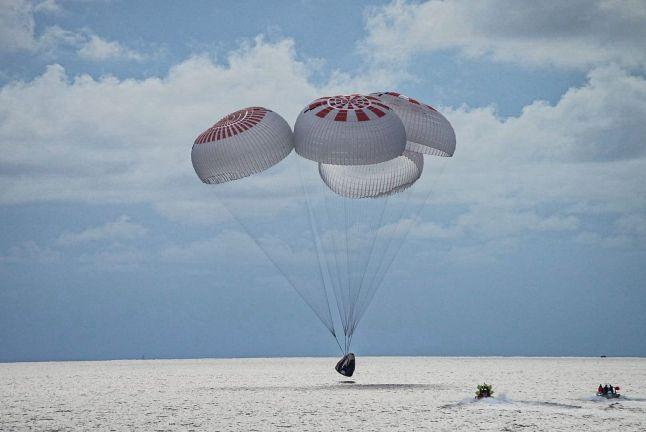 Photo of عودة 4 رواد هواة إلى الأرض في فلوريدا بعد قضاء 3 أيام في الفضاء