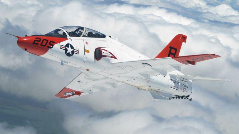 Photo of تحطّم طائرة تابعة للبحرية الأميركية في تكساس ونقل الطيّارَين إلى المستشفى