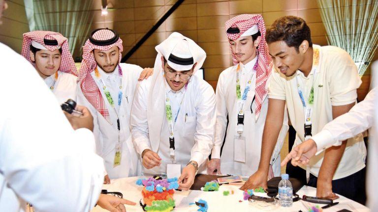 Photo of توظيف الخريجين يتصدر اهتمامات مرشحي الشورى