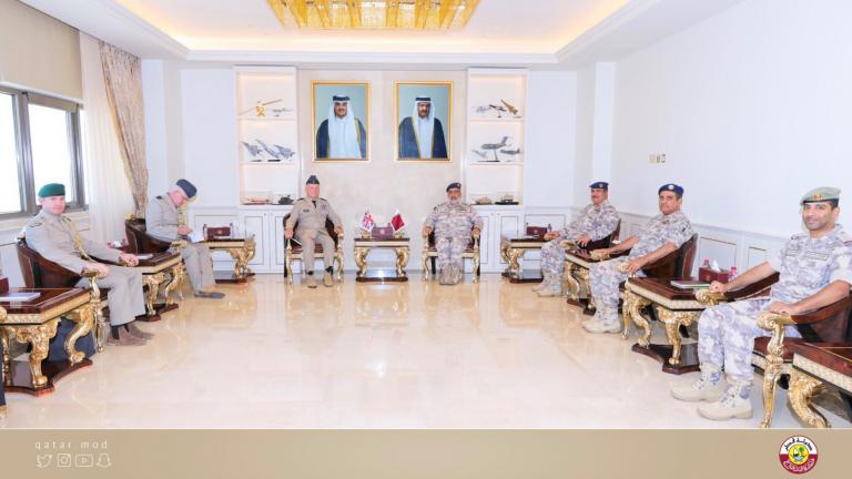 Photo of رئيس الأركان يجتمع مع كبير مستشاري الدفاع للشرق الأوسط بوزارة الدفاع البريطانية