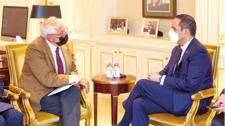 Photo of نائب رئيس الوزراء يجتمع مع عدد من المسؤولين