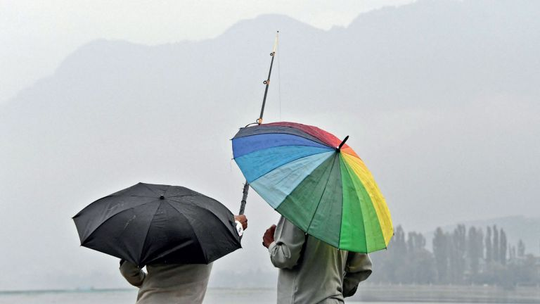 Photo of أمطار غزيرة تضرب جنوب شرق الهند