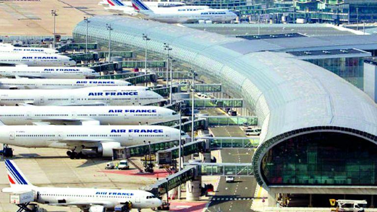 Photo of تعليق الرحلات من مطارَي باريس