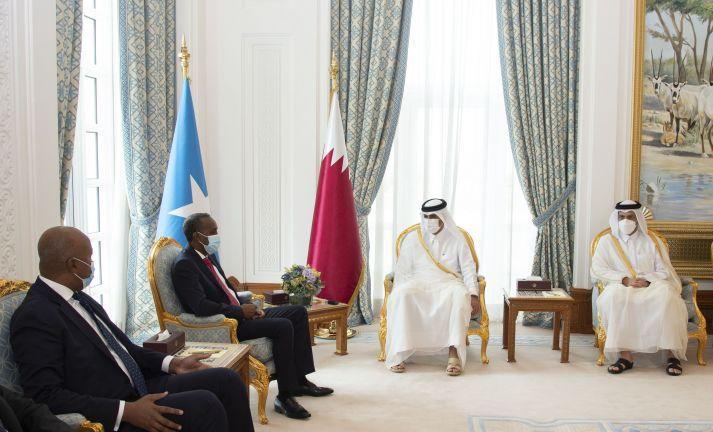 Photo of رئيس مجلس الوزراء يعقد جلسة مباحثات مع نظيره الصومالي