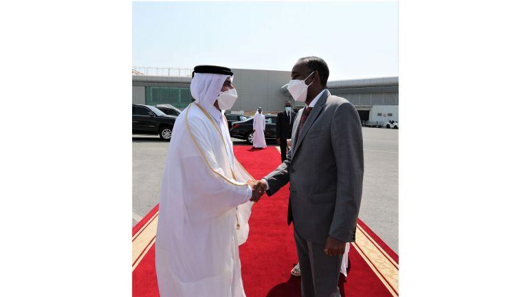 Photo of رئيس الوزراء الصومالي يغادر الدوحة