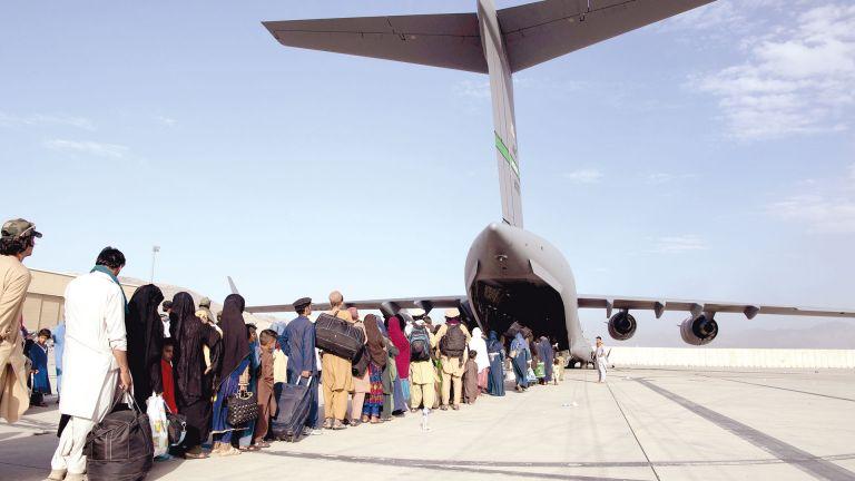 Photo of اليابان: وصول العشرات من أفغانستان نظمت قطر إجلاءهم
