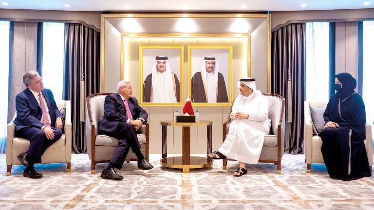 Photo of نائب رئيس الوزراء يجتمع مع رئيس لجنة العلاقات الخارجية بمجلس الشيوخ الأمريكي