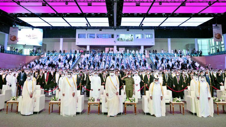 Photo of صاحب السمو يكرم 126 طالبًا متفوقًا بجامعة قطر