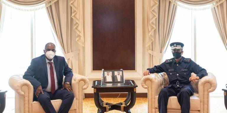Photo of مدير الأمن العام يجتمع مع مسؤول أمني كيني