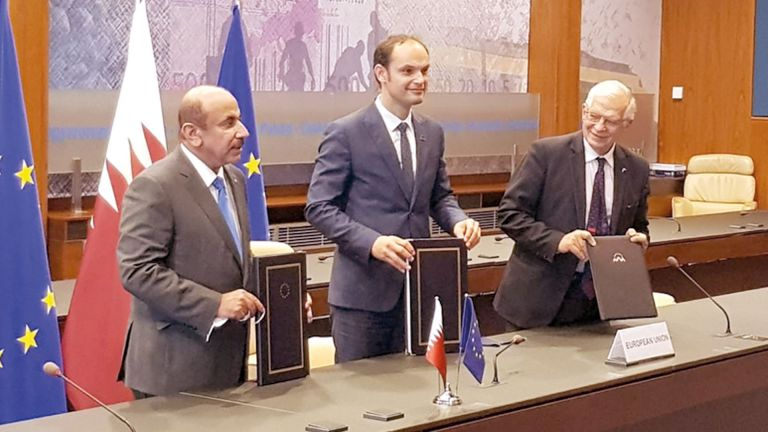 Photo of قطر توقع اتفاقية النقل الجوي مع الاتحاد الأوروبي