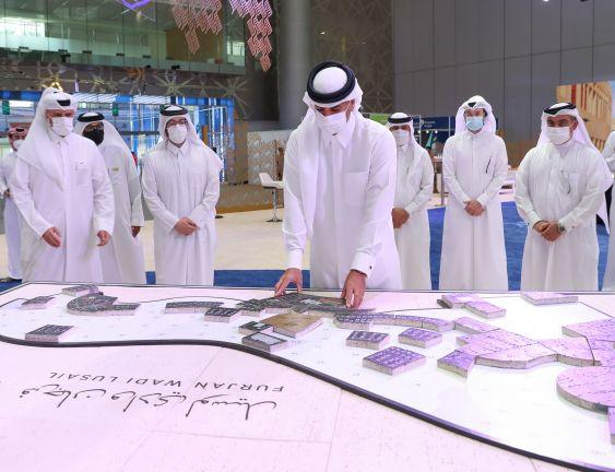 Photo of رئيس مجلس الوزراء يزور معرض سيتي سكيب قطر 2021