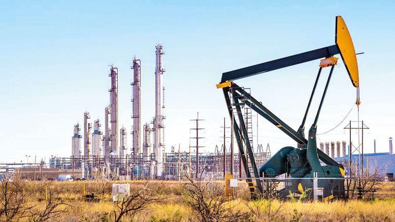 Photo of النفط يصعد لأعلى مستوى في 3 أعوام