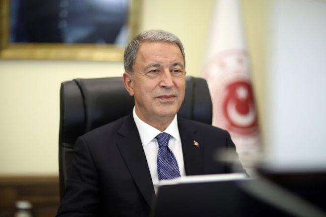 Photo of وزير الدفاع التركي يؤكد أن بلاده تتابع الأحداث في شمال سوريا
