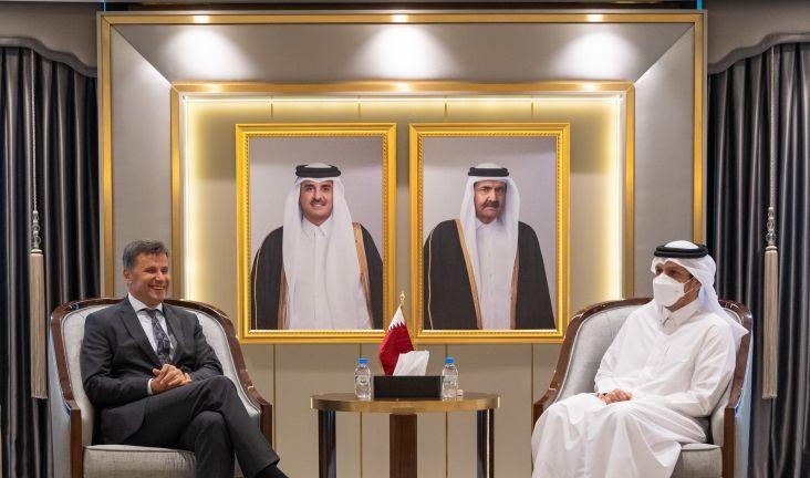 Photo of نائب رئيس مجلس الوزراء وزير الخارجية يجتمع مع رئيس وزراء البوسنة والهرسك